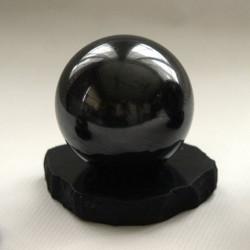 Sphère de shungite 6 cm + support, convenant pour une petite pièce